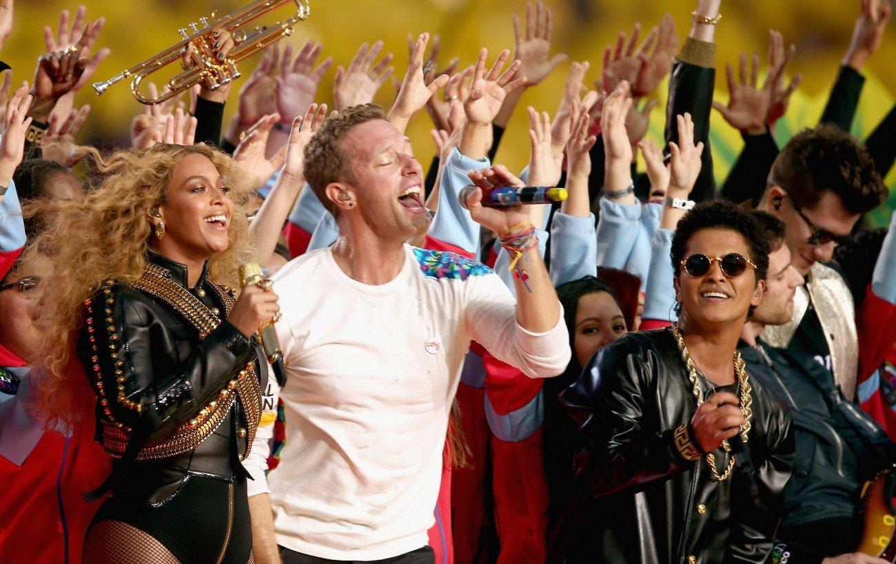 Beyoncé, Coldplay und Bruno Mars auf der Bühne