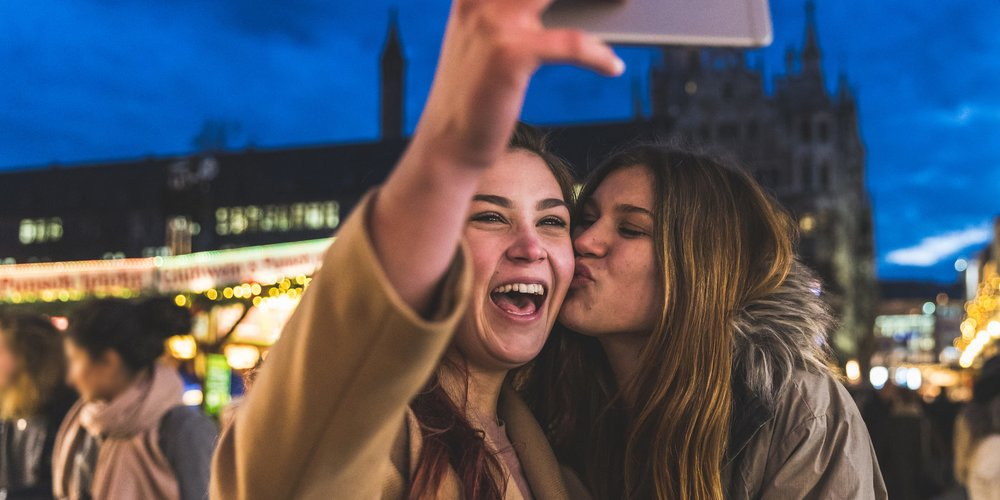 Kann es sein, dass du mit deiner besten Freundin auch so einige merkwürdige Dinge machst, ohne es vielleicht zu merken? Hier ein paar typische Beispiele...