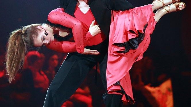Felix von Jascheroff und Lisa Steiner   Verwendung der Bilder für Online-Medien ausschließlich mit folgender Verlinkung:'Alle Infos zu 'Stepping Out' im Special bei RTL.de: http://www.rtl.de/cms/sendungen/stepping-out.html