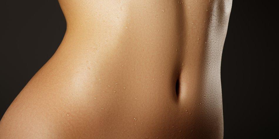 Bauch und Taille einer Frau
