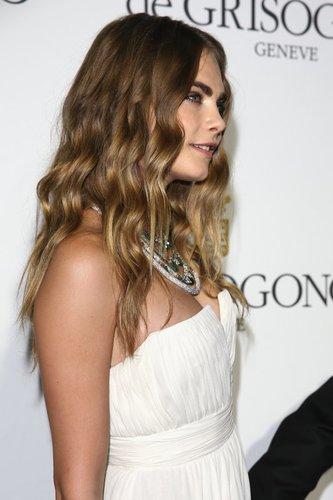 Cara Delevingne hat bronde Haare