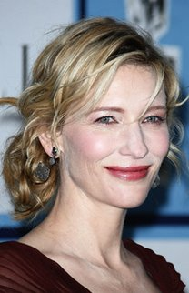 Cate Blanchett mit lockerem Zopf