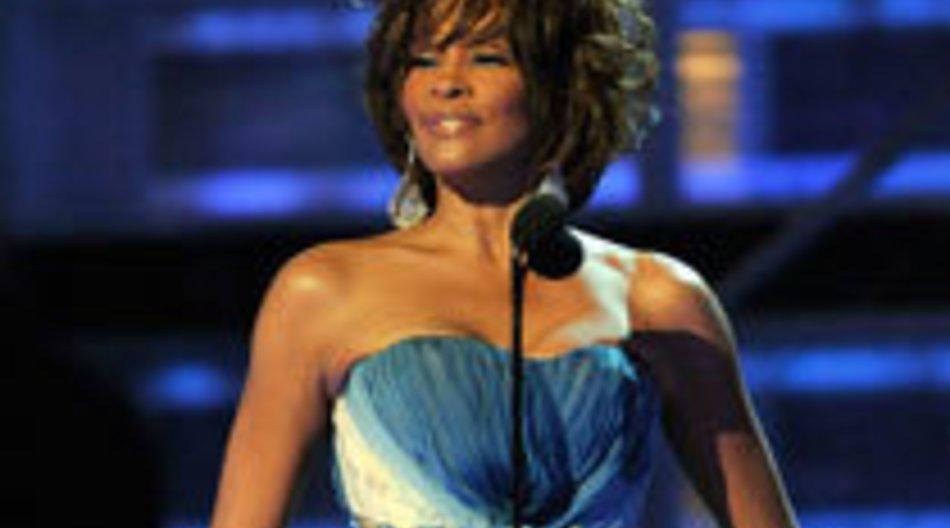 Rihanna bekommt Hilfe von Whitney Houston