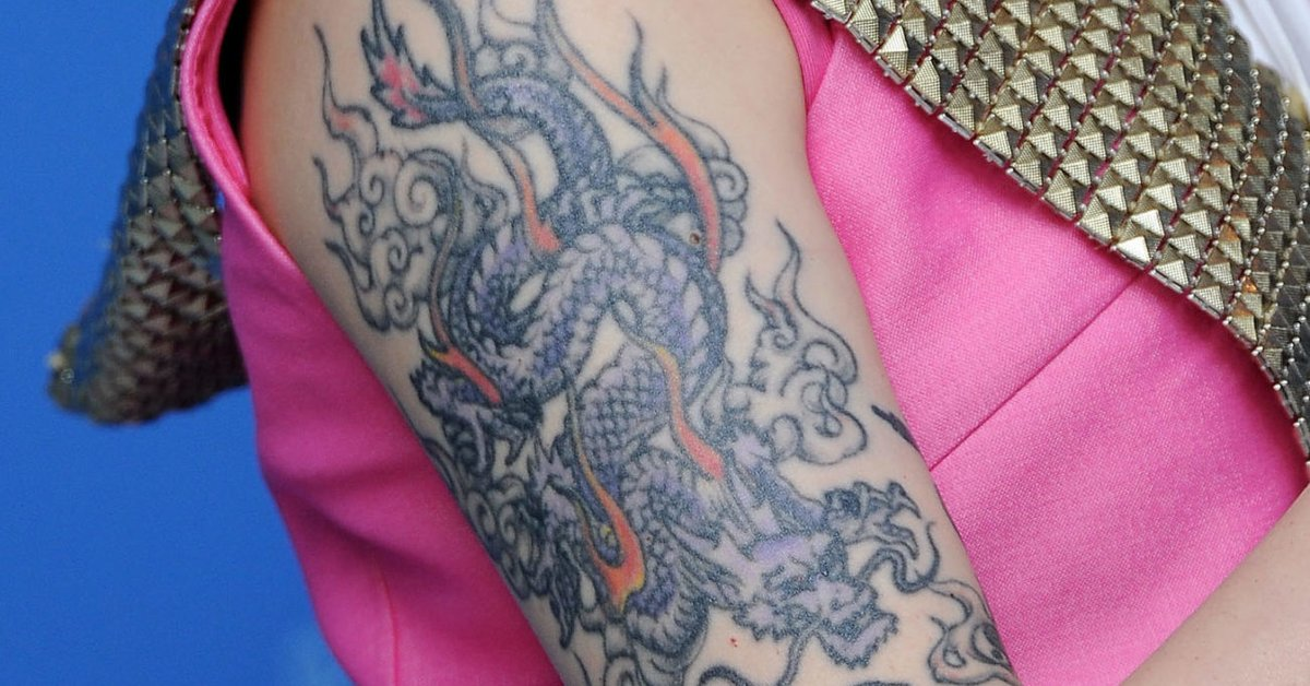 Mädchen-Drache-Tattoo-Szene