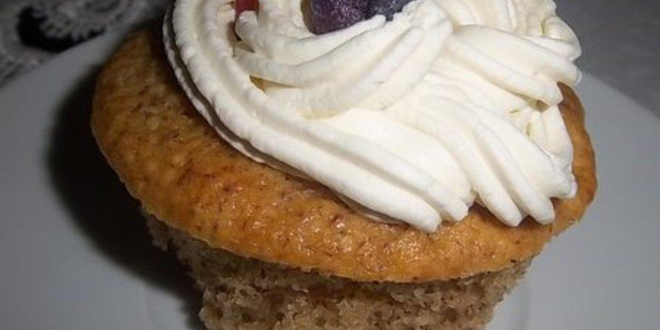 Apfel- Mandel- Cupcakes mit Lavendel Mascarpone Frosting