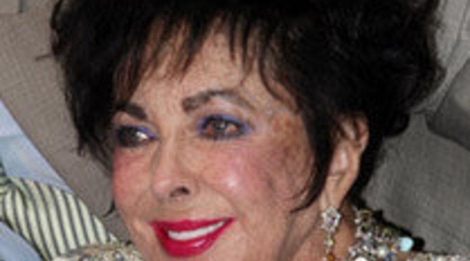 Twitter: Liz Taylor kündigt Herz-OP an