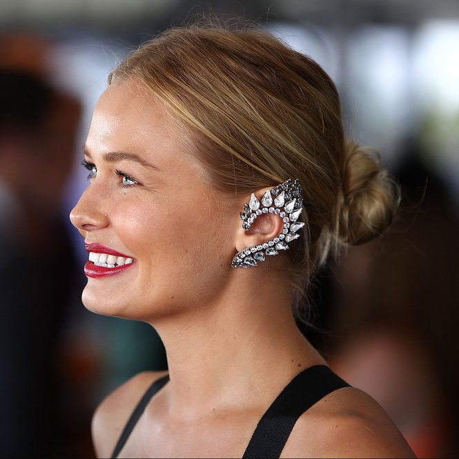 MELBOURNE, AUSTRALIA - OCTOBER 20:  Lara Bingle attends Caulfield Cup Day at Caulfield Racecourse on October 20, 2012 in Melbourne, Australia.  (Photo by Graham Denholm/Getty Images)
