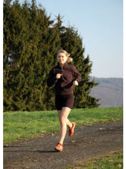 Die meisten joggen um schnell abzunehmen. Krafttraining ist jedoch eine gute Ergänzung.