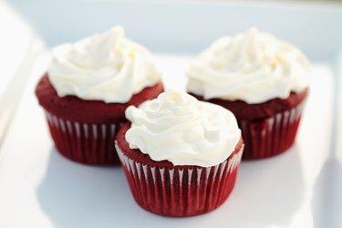 Red Velvet Cupcakes zur Rubinhochzeit