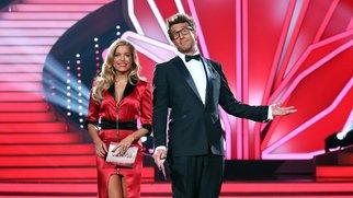 Mit Charme und Witz moderieren Sylvie Meis und Daniel Hartwich die zweite, glamouröse Live-Show (Foto: 2014).