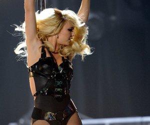 Britney Spears tanzt an der Stange