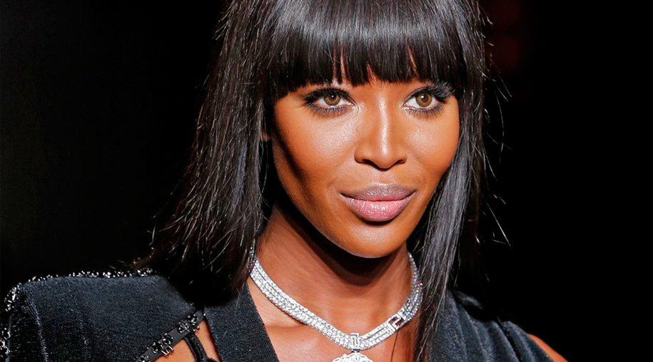Ihre junge Konkurrenz stellt Naomi Campbell immer noch in den Schatten. Die 43-Jährige zeigte sich auf dem Catwalk in Paris absolut makellos und mit einem Körper, von dem so manche 20-Jährige nur träumen kann.