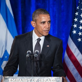 US President Barack Obama addresses the Righteous Among the Nations Award Ceremony at the Israeli Embassy January 27, 2016 in Washington, DC. / AFP / Brendan Smialowski (Photo credit should read BRENDAN SMIALOWSKI/AFP/Getty Images)