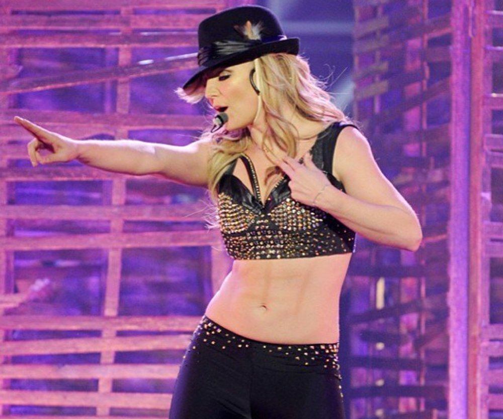 Britney Spears mit falschem Sixpack