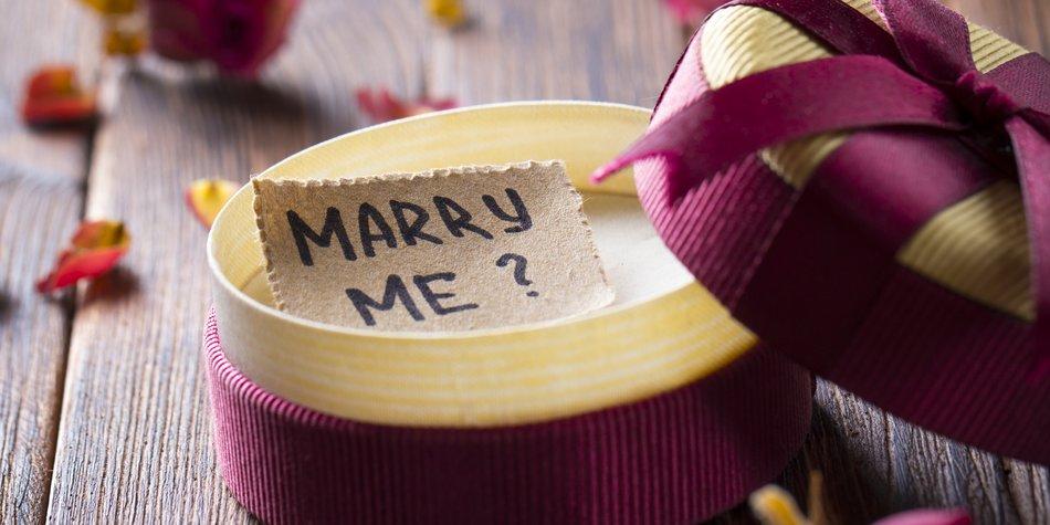 willst du meine frau werden oder willst du mich heiraten