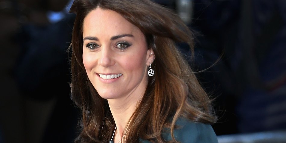 LONDON, ENGLAND - DECEMBER 09: Catherine, Duchess of Cambridge attends the ICAP charity day at ICAP on December 9, 2015 in London, England. (Photo by Chris Jackson/Getty Images)