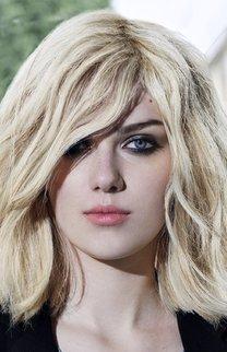 Blonde Mähne: Volumen pur