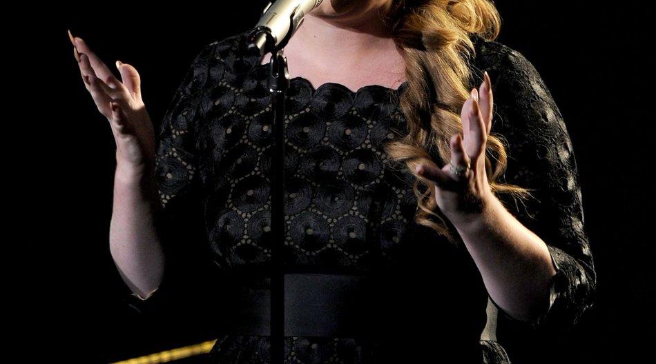 Adele wird operiert