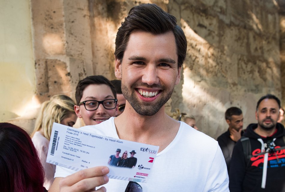 PALMA DE MALLORCA, SPAIN - MAY 12: Alexander Keen during the finals of 'Germany's Next Topmodel' at Coliseo Balear on May 12, 2016 in Palma de Mallorca, Spain. (Photo by Matthias Nareyek/Getty Images)