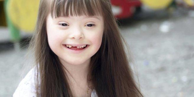 Mädchen mit Down-Syndrom