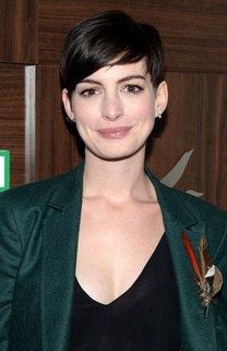 Anne Hathaway: Sleeker Pixie Cut