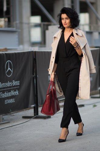 Eine Besucherin der Instanbul Fashion Week
