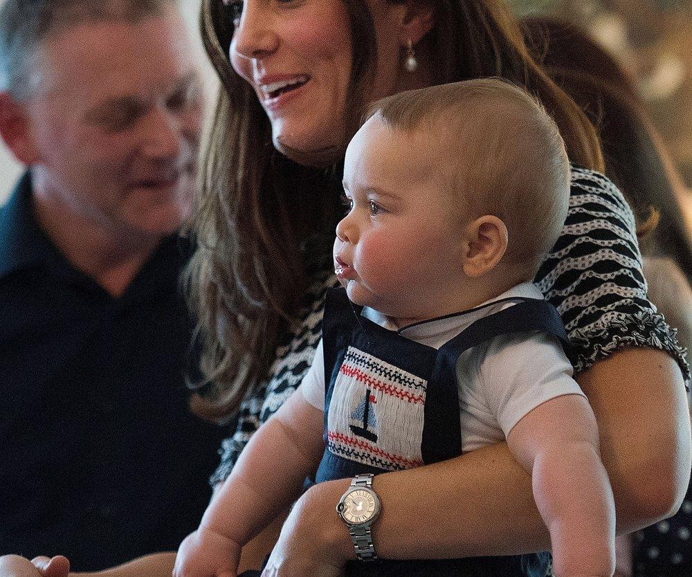 Kate Middleton zeigt Prinz George in der Öffentlichkeit