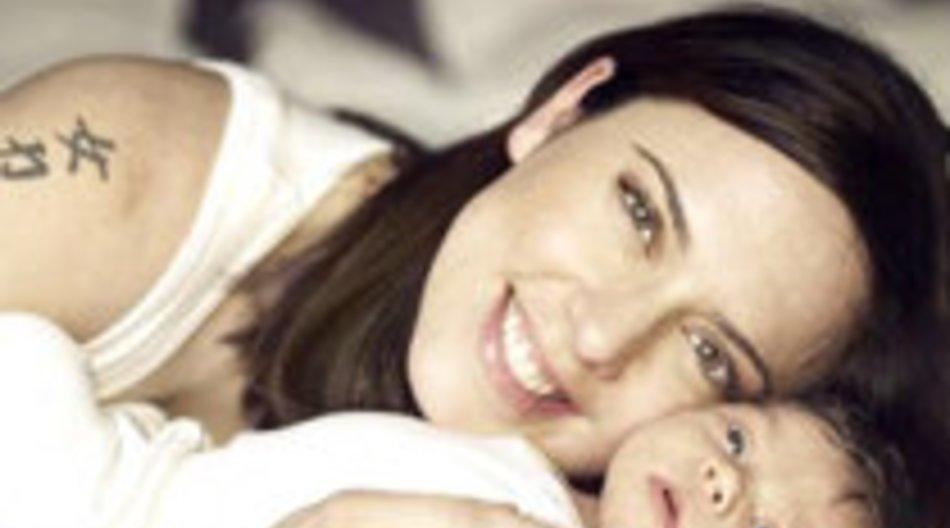 Sporty Girl Mel C stellt ihre Tochter vor