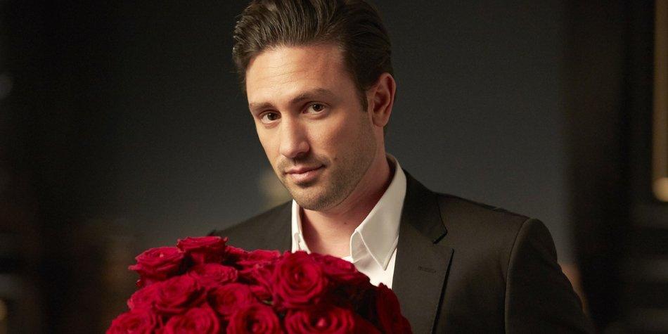 Der Bachelor hat die Qual der Wahl: Zu welchen romantischen Begegnungen wird es kommen? Welchen Damen gelingt es, die Konkurrenz auszustechen und den Bachelor um den Finger zu wickeln?