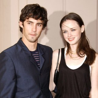 "NORTH HOLLYWOOD, CA - APRIL 21:  Actor Milo Ventimiglia (L) and actress Alexis Bledel attend a behind the scenes discussion of the television show ""Gilmore Girls"" at the Academy of Television Arts and Sciences on April 21, 2003 in North Hollywood, California. (Photo by Vince Bucci/Getty Images)"