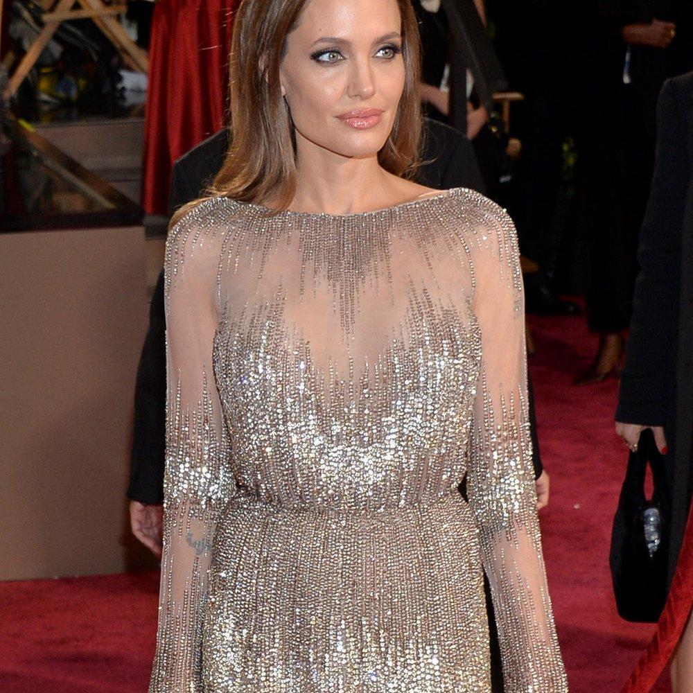 Angelina Jolie geht unter die Designer