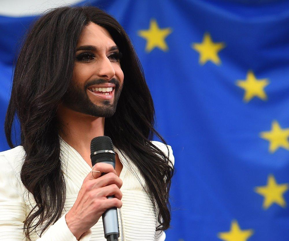 Conchita Wurst besucht das Europaparlament