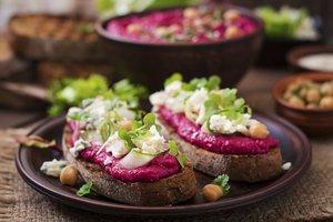 Rote Beete-Hummus