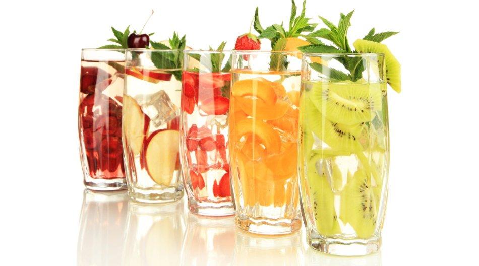 Wasser mit Früchten