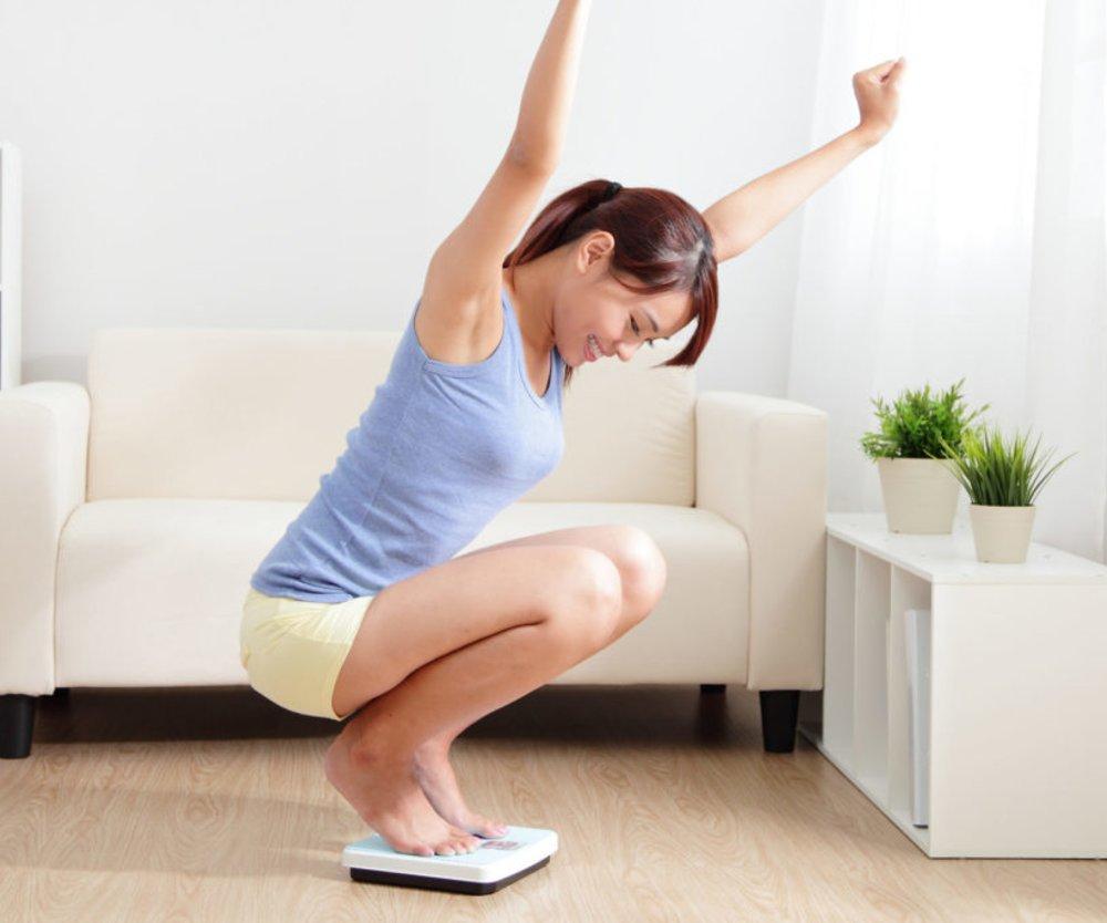 Es gibt ja so einige merkwürdige Diät-Ratschläge, deren Wirkung man anzweifelt. Doch einige von ihnen... funktionieren tatsächlich! Wir verraten, welche.