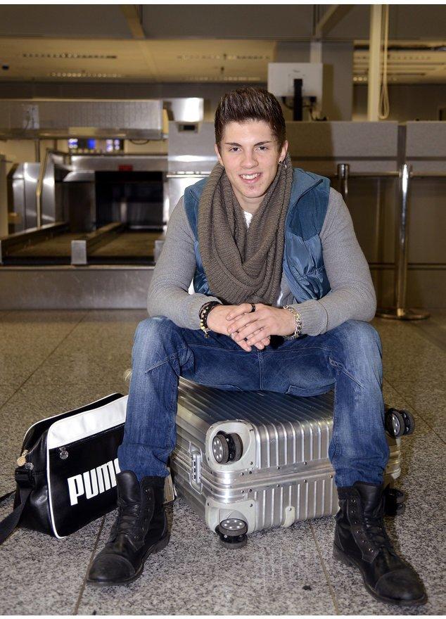 Joey Heindle am Flughafen