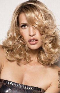 Prächtige Locken in blond