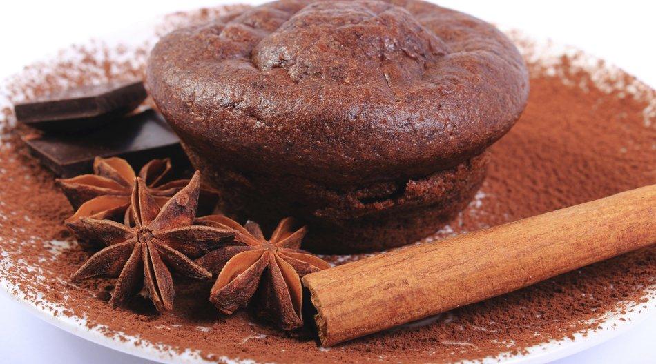 Gewürzmuffins mit schokolade