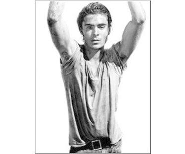 Zac Efron bei einem Fotoshooting für adidas und gap im Magazin Interview und grauem Shirt