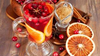 Wintercocktails und heiße Drinks