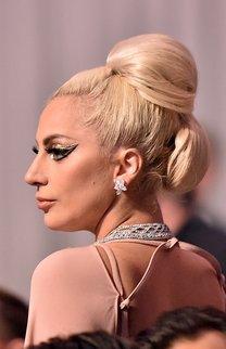Lady Gaga: Beehive und Chignon