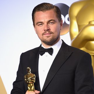 HOLLYWOOD, CA - FEBRUARY 28: Actor Leonardo DiCaprio, winner of Best Actor for 'The Revenant,' poses in the press room during the 88th Annual Academy Awards at Loews Hollywood Hotel on February 28, 2016 in Hollywood, California. (Photo by Jason Merritt/Getty Images)