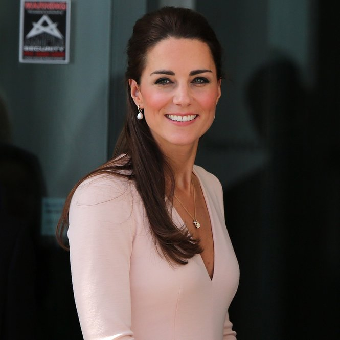 ADELAIDE, AUSTRALIA - APRIL 23: Catherine, Duchess of Cambridge arrives at the Playford Civic Centre on April 23, 2014 in Adelaide, Australia. The Duke and Duchess of Cambridge are on a three-week tour of Australia and New Zealand, the first official trip overseas with their son, Prince George of Cambridge.  (Photo by Daniel Kalisz/Getty Images)
