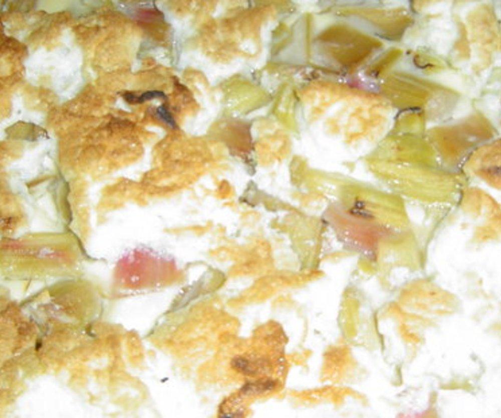 Rhabarber-Quark-Eierlikörkuchen