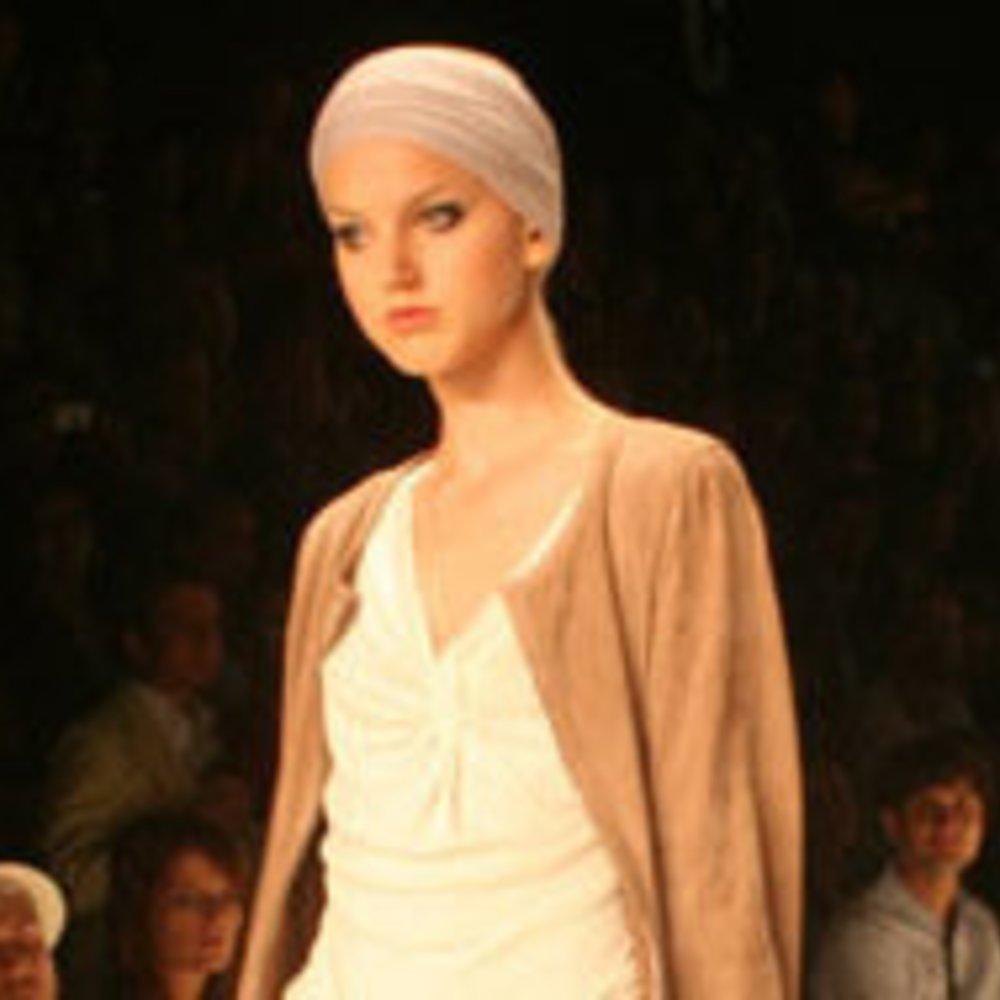 Laurèl zeigt schlichte Eleganz