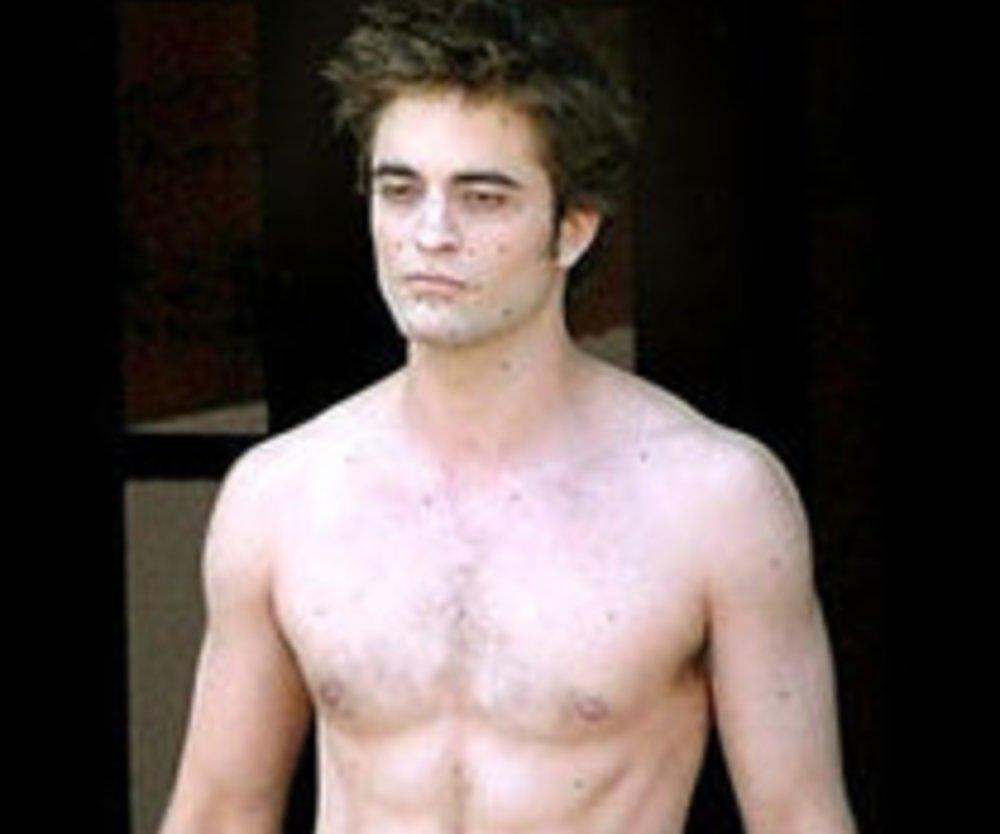 Robert Pattinson oben ohne