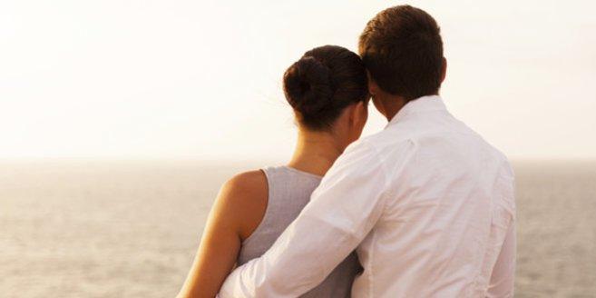 Eine Totgeburt sollten Paare am besten gemeinsam verarbeiten.
