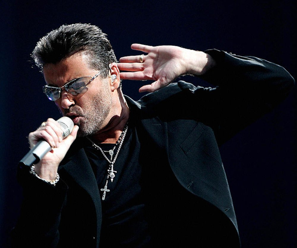 Amsterdam, NETHERLANDS: British singer George Michael performs during a concert in Amsterdam, 26 June 2007. AFP PHOTO / ANP PHOTO / EVERT ELZINGA (Photo credit should read EVERT ELZINGA/AFP/Getty Images)