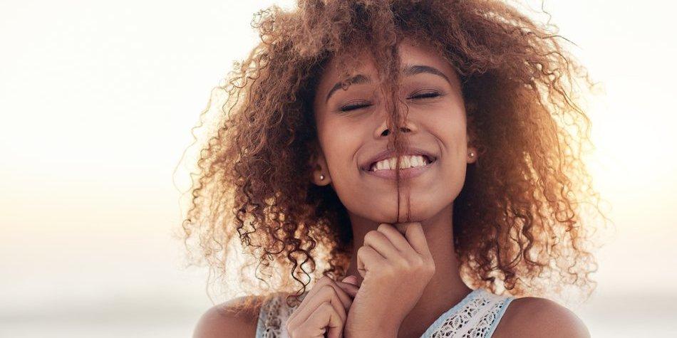 Frisuren für Naturlocken