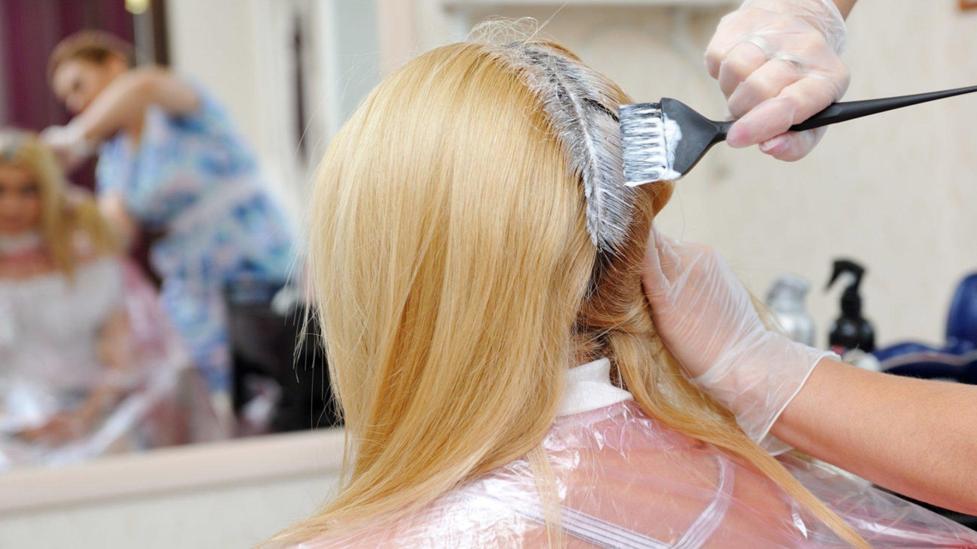 Ohne gelbstich blondieren haare Silbershampoo: Die